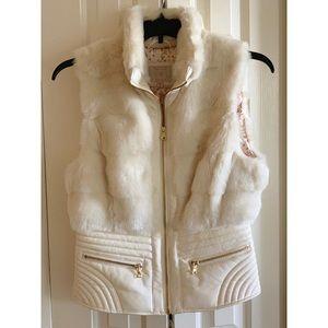 Guess✨Faux Fur Cream Vest